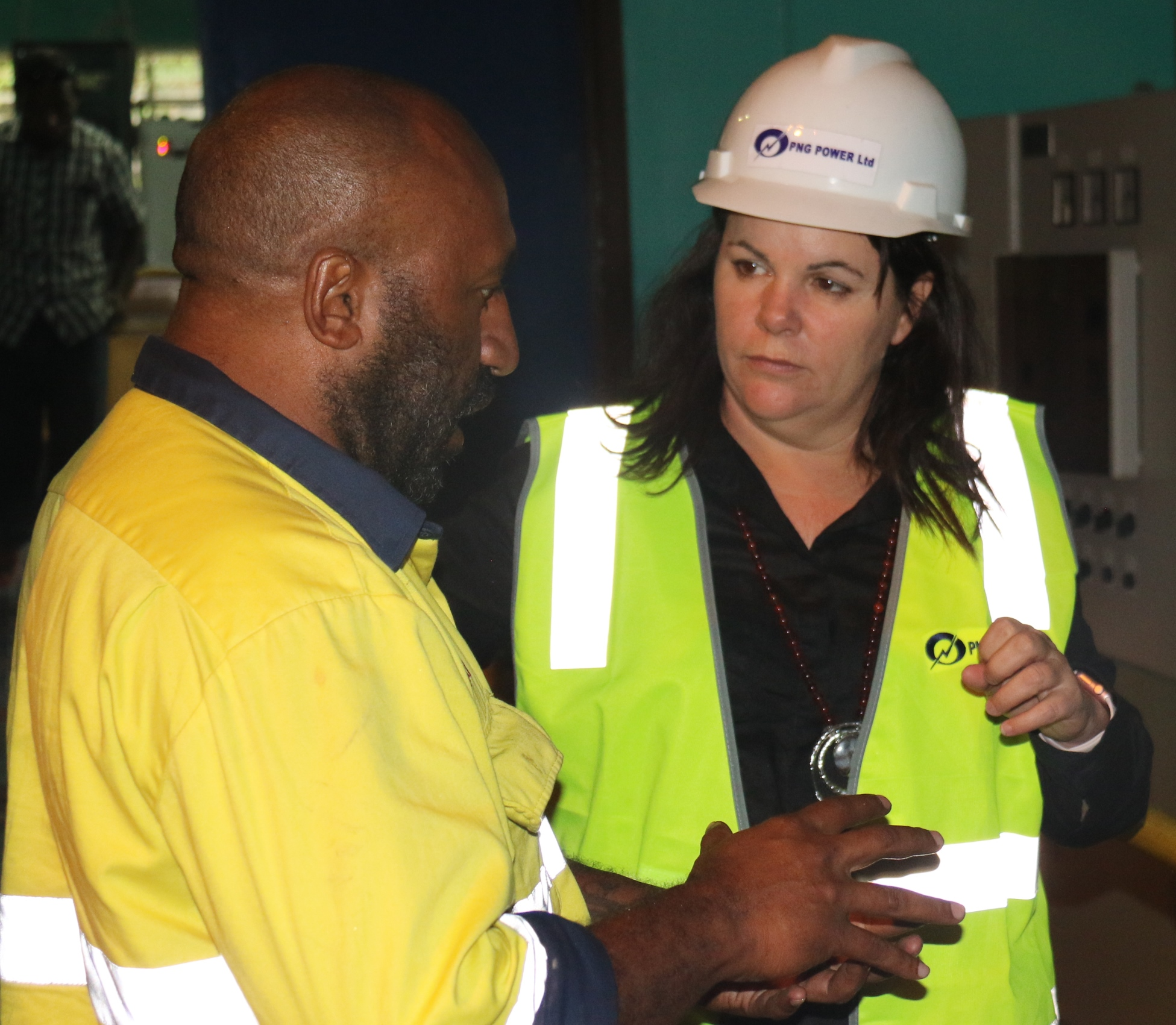Blacklock visits PPL establishments in the Highlands Region, Yonki and Lae